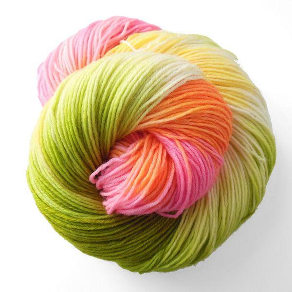 """Merinosockenwolle """"Rosenstämmchen"""" von Farbenpracht-Garne auf DaWanda.com"""
