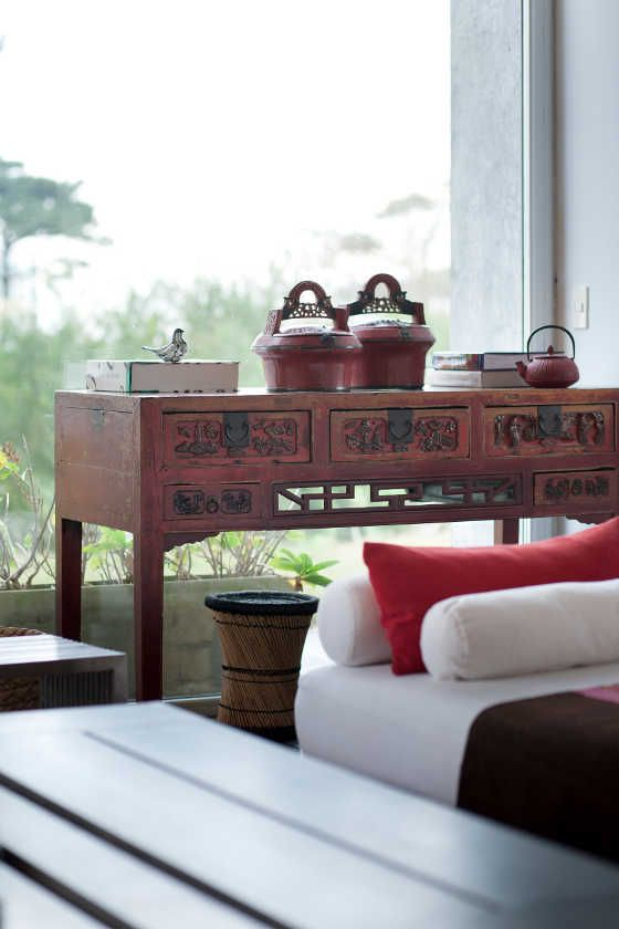 one of my fav. mix - asian vintage with modern design