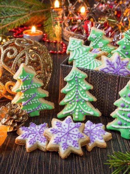 Новогоднее сахарное печенье с глазурью