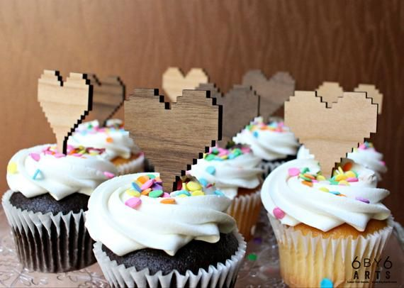 8 Bit Heart Cupcake Reusable Cake Toppers Set   Retro Gaming Love   Geek Wedding Toppers   Valentine's Day Gifts