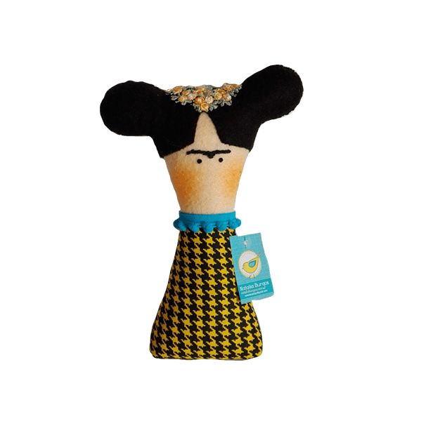 Frida. Hermoso personaje elaborado en paño lency, puedes utilizarlo como muñeco decorativo en la habitación de tu peque.