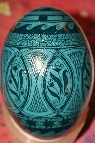 Green etched egg design