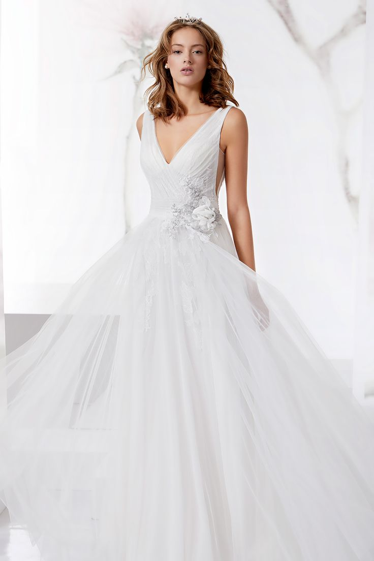 Wonderful Jolies with chiffon, tulle and beautiful beaded rebrode lace