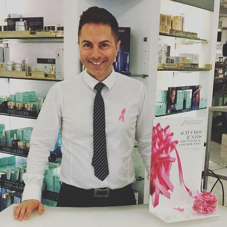 @esteelauder nos trae el rosa del mes de octubre. Las ventas de la marca durante este mes ceden un porcentaje a la lucha contra el cáncer #WehbeTeCuida #Repost @maquilladortenerife with @repostapp  Sabías que octubre es el mes contra el cáncer de mama? Únete a nuestra lucha y visita http://ift.tt/2eFDoEW  ACTUEMOS JUNTOS #BCAstrength #bcastrength  #wehbe #wehbe_moda #cancer #cancerdemama #canariasahora #canarias #tenerife #canaryislands #islascanarias #canariashoy #santacruzdetenerife…