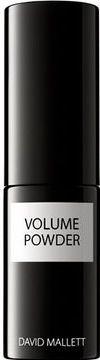 Der neue, von David Mallett entwickelte VOLUME POWDER gibt kraftlosem Haar einen hinreißend strubbeligen Look und verleiht ihm mehr Volumen und Schwungkraft.  Das innovative Hairstyle-Produkt wirkt direkt an der Wurzel und verleiht haltlosem, feinem Haar mehr Fülle und Volumen.