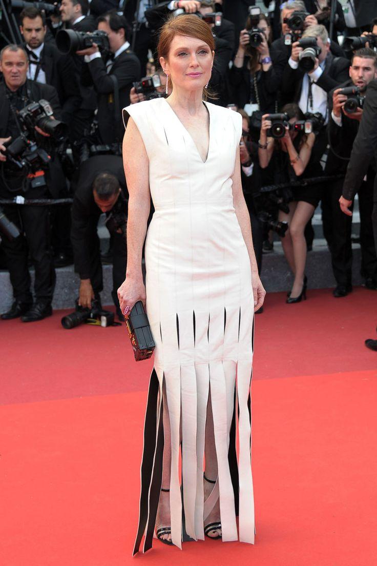 Julianne Moore apostó por este vestido bicolor con flecos en el estreno de Money Monster.