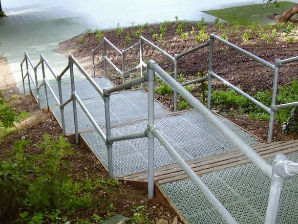Best Galvanized Pipe Railing Peculiar Piping Pinterest 400 x 300