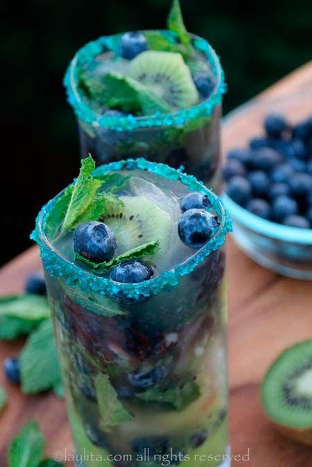 Easy Mojito Recipes #BlueberryMojito