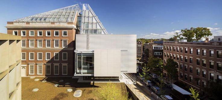 Construído pelo Renzo Piano Building Workshop,Payette na Cambridge, United States na data 2014. Imagens do Nic Lehoux. Os Museus de Arte de Harvard são museus universitários, um lugar para colecionar e expor arte, uma grande exposiçãop...