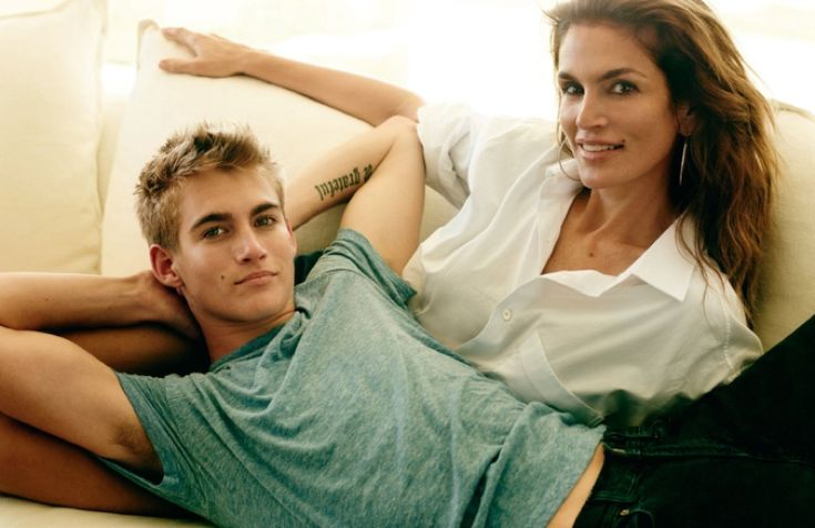 Cindy Crawford poses with son Presley Gerber