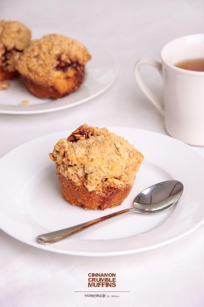 Yummy cinnamon crumble muffin!