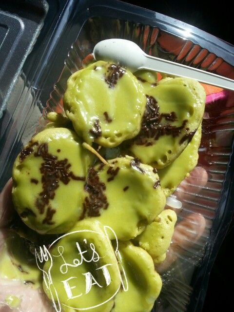 Must try! Kue cubit - green tea / matcha ( Bogor, Indonesia )