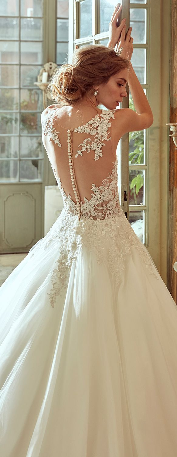 Nicole Ivory princess line dress, in tulle with rebrodè beading lace.  Nicole 2017 Collection - Wedding dress