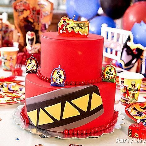 Click through to learn how to create this charged up Power Rangers Dino Charge cake!: