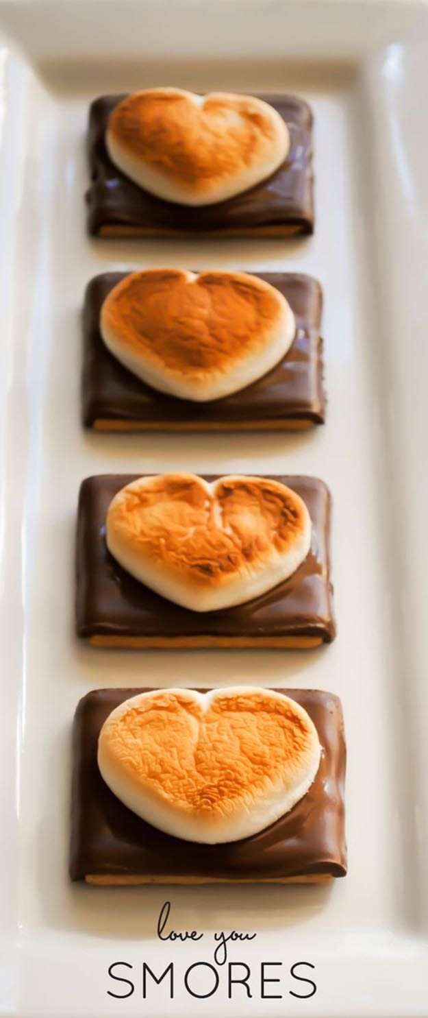 Heart Smores   25 Valentines Day Treats That Look Way Too Good to Eat   Beautiful Homemade Gifts For Your Love Ones by DIY Ready at http://diyready.com/valentines-day-treats-that-looks-too-good-to-eat/