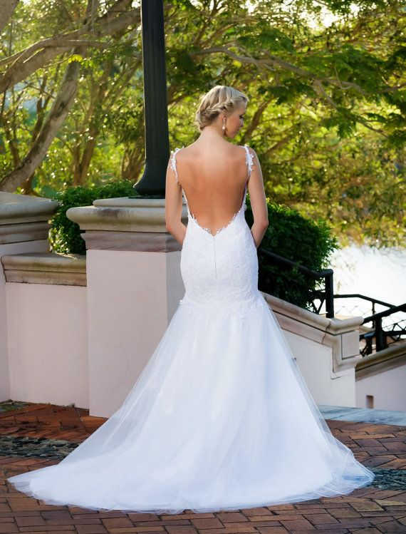 Elegant Backless Wedding Dress / Open Back Wedding Gown / Low Back / Lace and Tulle Mermaid Style Wedding dress