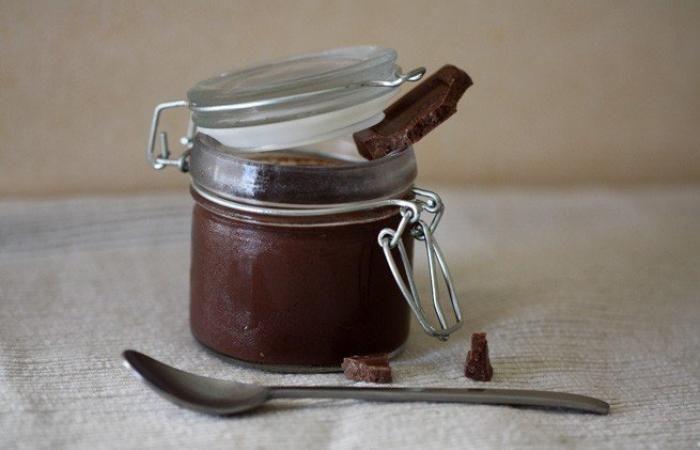 Régime Dukan (recette minceur) : Crème au chocolat #dukan http://www.dukanaute.com/recette-creme-au-chocolat-1153.html
