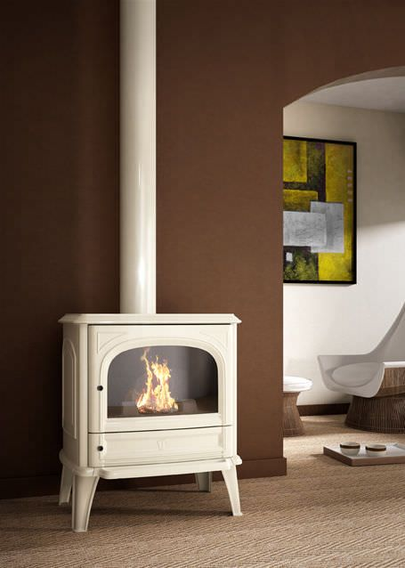 Wood-burning heating stove / traditional / cast iron / Double combustion - SAPHIRE - SEGUIN