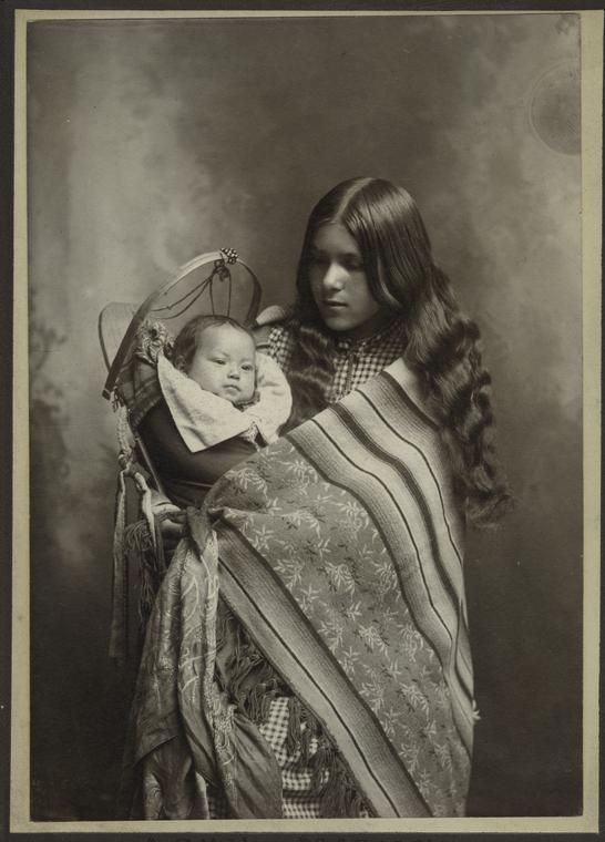 Mother and child, Wenatchee, Washington. May 26, 1902.