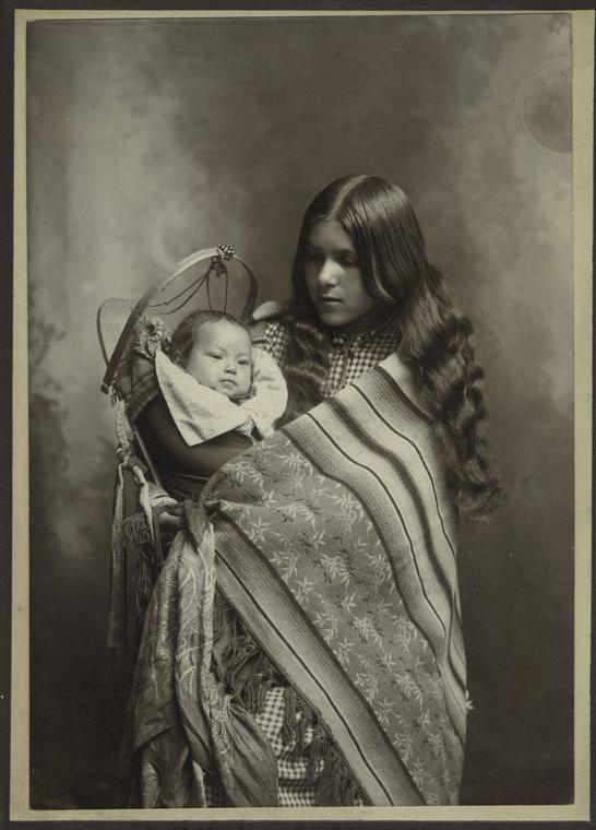 Mother and child, Wenatchee, Washington. May 26, 1902.