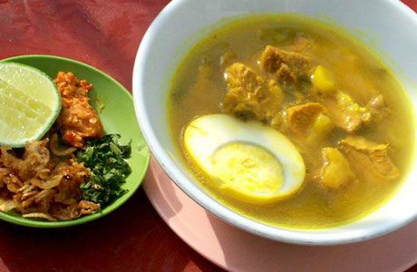 Soto Madura also called Soto Sulung or Soto Ambengan, is a traditional soup from Madura, composed of chicken, beef and vegetables in a yellowish transparent broth.