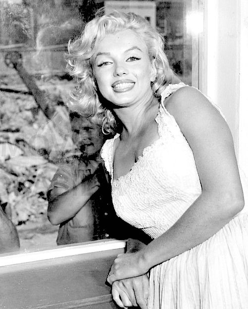 1957 ❤ Marilyn Monroe ~*❥*~❤ in New York