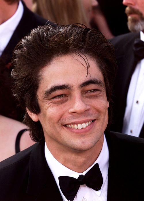 Benicio Del Toro in Academy Awards 2001