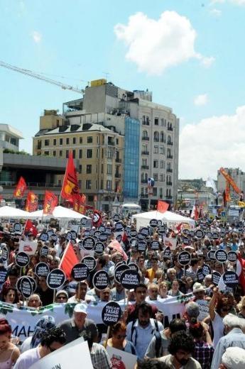 Taksim'de Gezi Parkı mitingi başladı. day 13, 09.06.2013