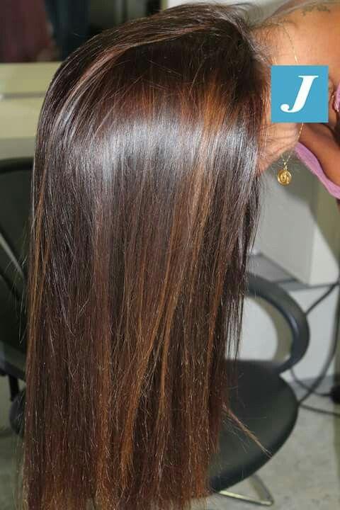 Tonalizza crea sfumature, da lucentezza copre I capelli bianchi , tutto in un unico passaggio . #modacapellirosa #potenza #cdj #degradejoelle #tagliopuntearia #degradé #welovecdj #igers #naturalshades #hair #hairstyle #haircolour #haircut #fashion #longhair #style #hairfashion