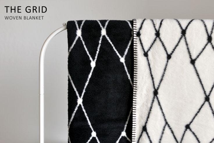 bastisRIKE's THE GRID woven blanket