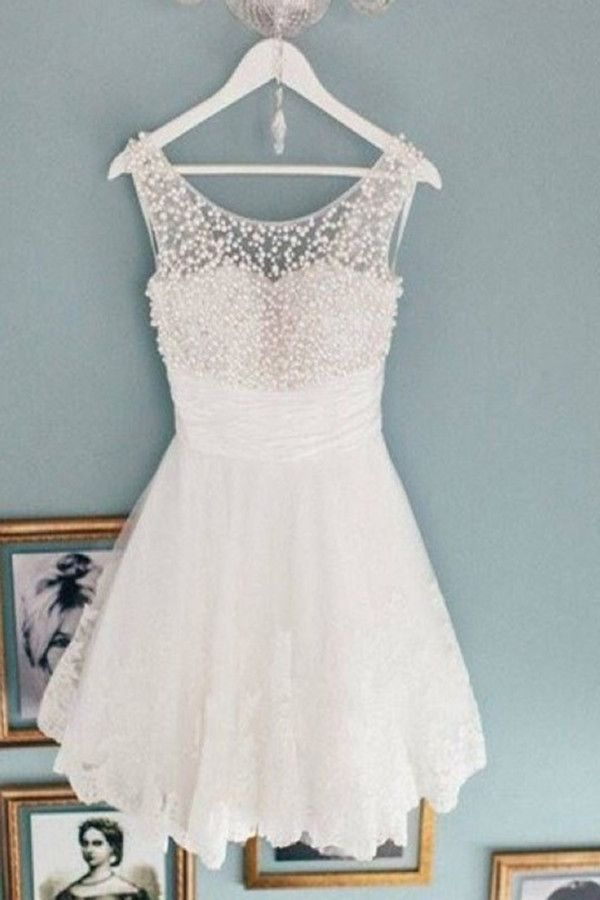 Charming Scoop A-Line Sleeveless Short White Lace Homecoming Dress with Beaded