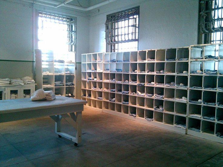 File:Inside Alcatraz (4594213265).jpg