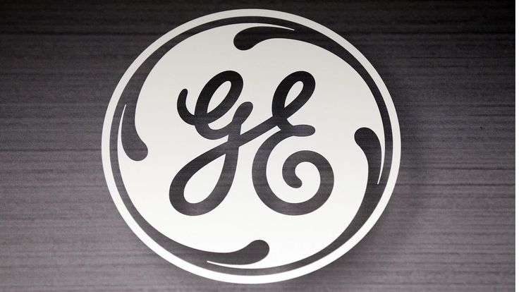 General Electric said it had reached an agreement with Britain's export credit agency to access export financing of up to $12 billion, allowing the creation up to 1,000 jobs.