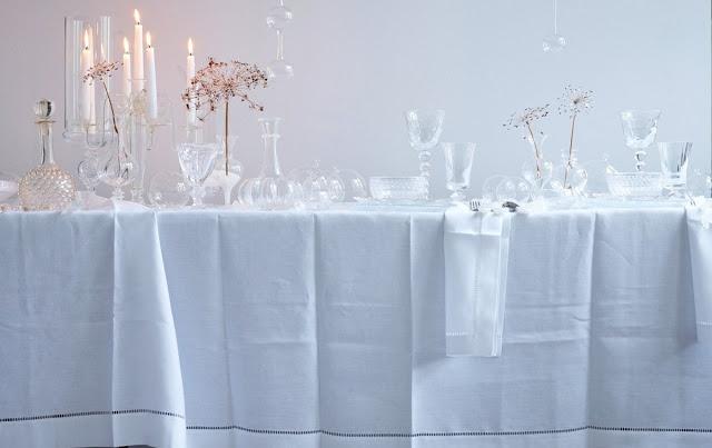 dietlind wolf: cristal snowhite table