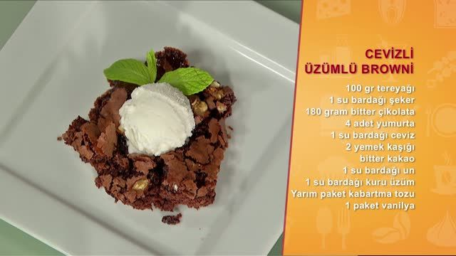 """Memet Özer ile Mutfakta """"Cevizli Üzümlü Browni""""  özel videosunu izlemek için tıklayın!"""