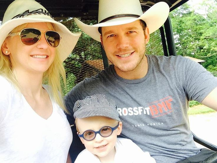 Chris Pratt and Anna Faris's Family Photo May 2015   POPSUGAR Celebrity