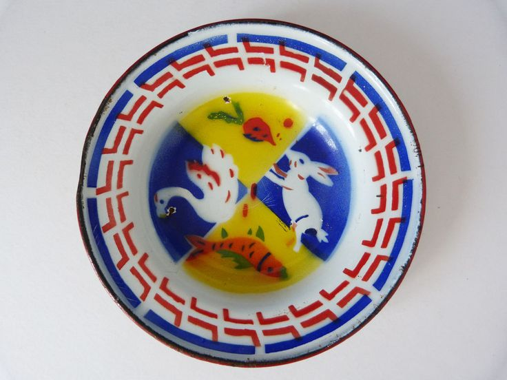 vintage chinese shallow enamel  dish by planetutopia on Etsy