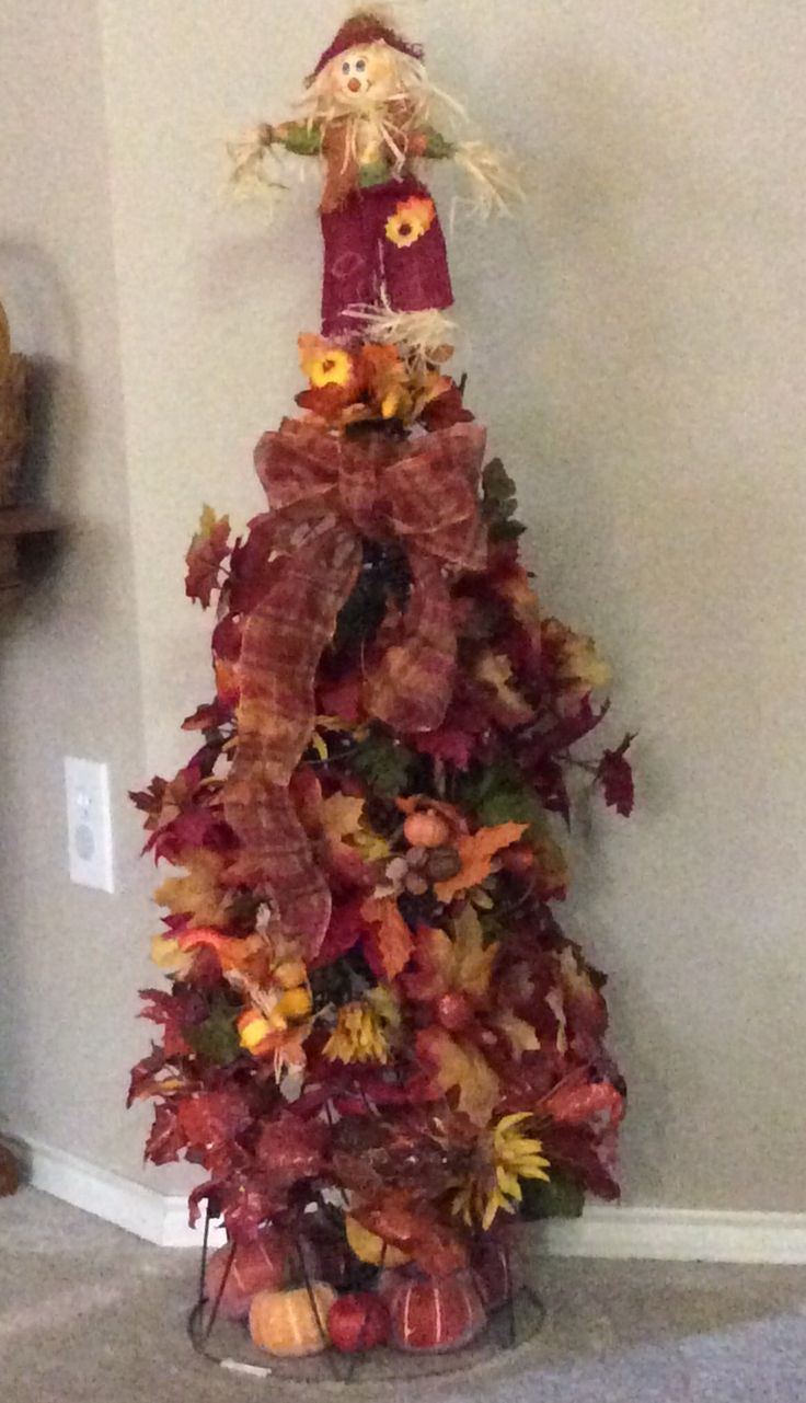 Fall Tree Made With Stacked Tomato Cages Fall Decor