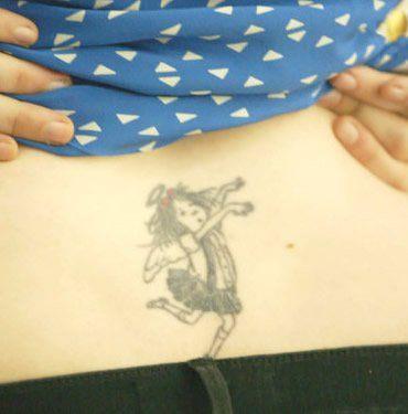 Lena Dunham Explains Inspiration Behind Eloise Back Tattoo http://www.popstartats.com/buzz/lena-dunham-eloise-back-tattoo/