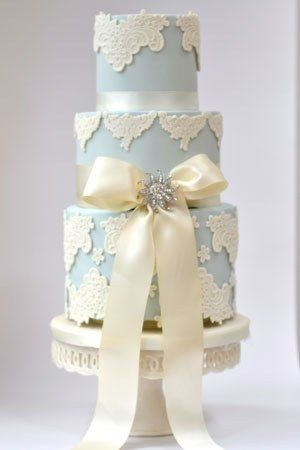 www.facebook.com/cakecoachonline - sharing...Blue Vintage Wedding Cake With Diamantie bow    #blue #wedding #cake