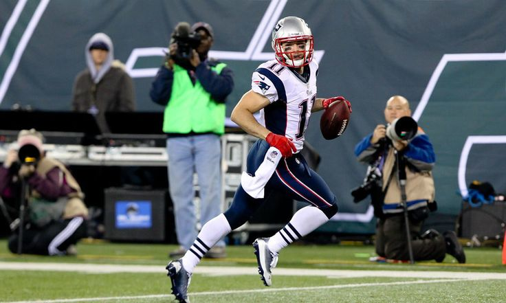 WR Julian Edelman prepping to be Patriots' backup QB = The Patriots don't have a backup QB on the roster right now, but they've been working with WR Julian Edelman to get him ready. It looks like he could realistically be the backup on Thursday, when the Patriots take on.....