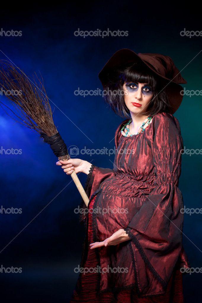 Bruxa grávida. dia das bruxas — Imagem de Stock #13813488