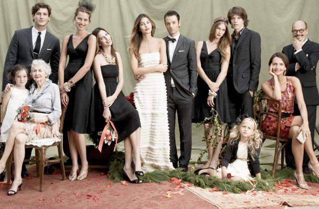 Loving this wedding family portrait; VERY Vanity Fair.
