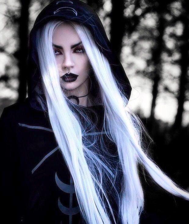 Картинки с черно белыми волосами