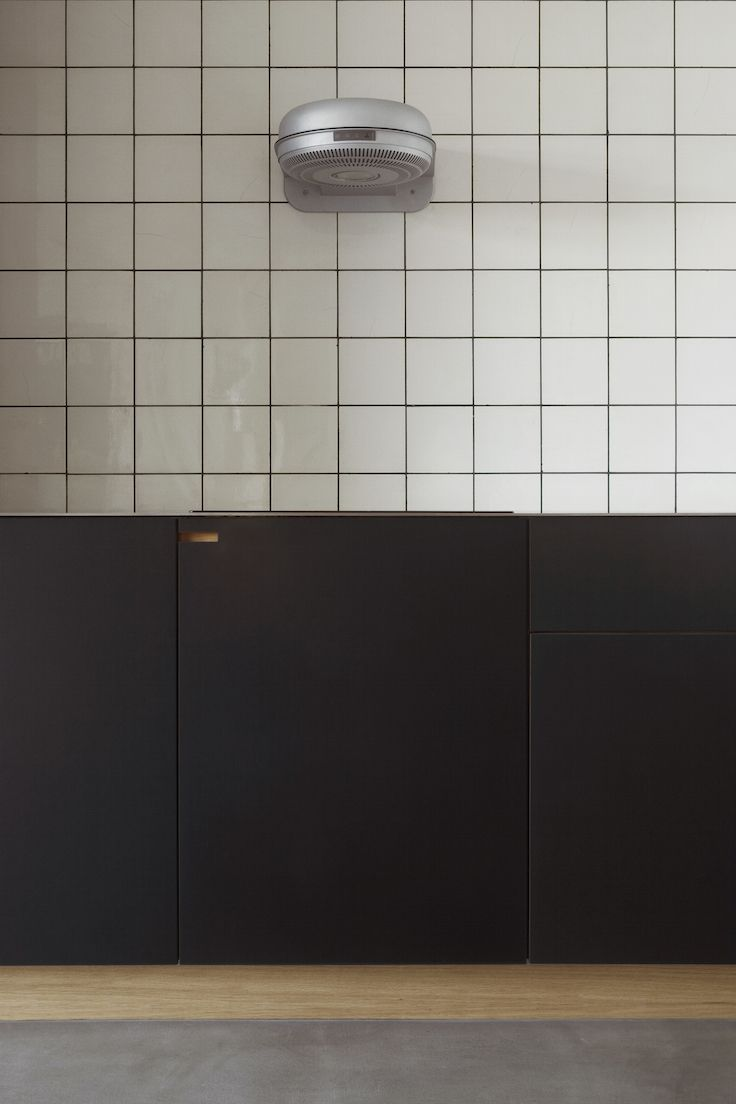 Colors and contrasts in this NicolajBo™ Kitchen in Copenhagen.