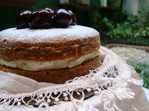 The Bananarama Cake - The Bake Bits