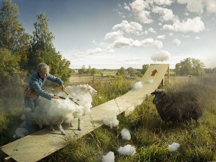 加工画像はもう今や世の中に溢れてるけど、この「水が割れる」「雲を刈る」「景色を掛ける」「雪を縫い付ける」という絶対存在しない合成アートはぞくっとする。すてき。 pic.twitter.com/8rZvxjppH9