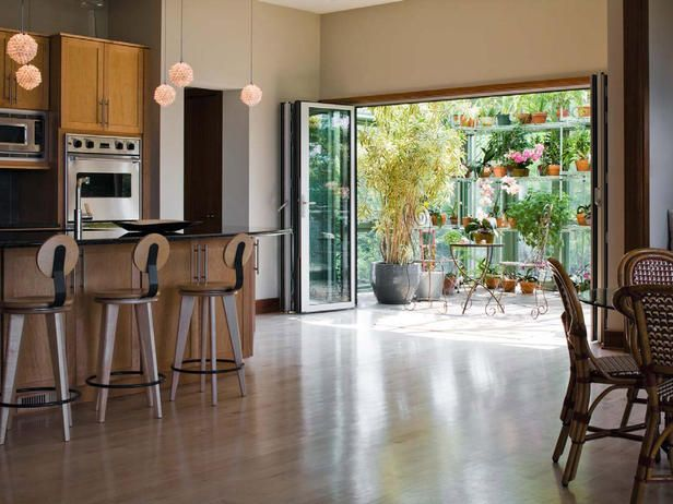 Modern Kitchens from Madelyn Simon on HGTV