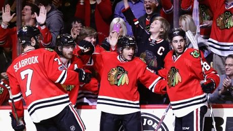 Patrick Kane hat trick KO's Penguins as Hawks win battle of NHL heavyweights
