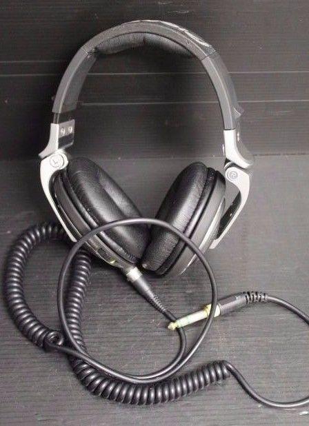 Pioneer Stereo Headphone Model Number HDJ-2000